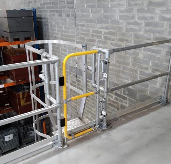 Kee Gate selbstschließende Sicherheitstüre Volle Höhe